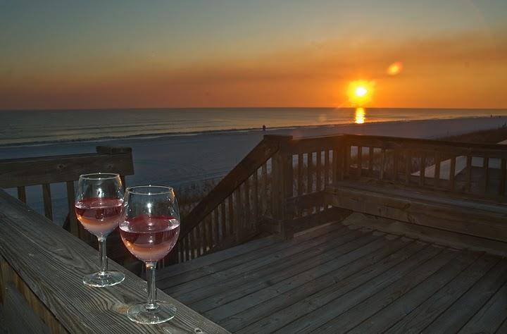 Relax and watch the sun set. - Family Vacation-Large Luxury Condo in Destin 3b/3b - Destin - rentals