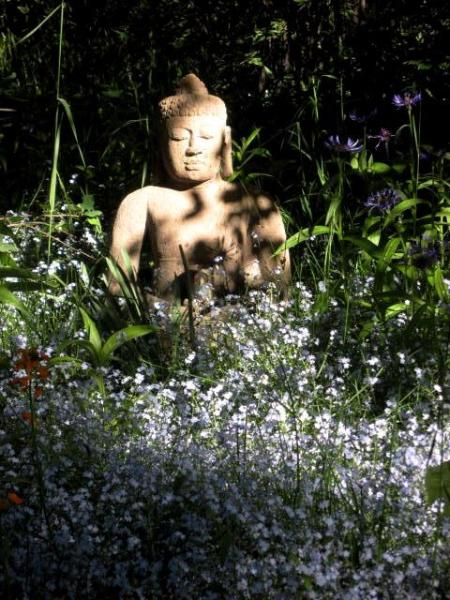 Statue of Buddha outside front door - 2-bedroom home, mountain views and shuttle service - Aspen - rentals