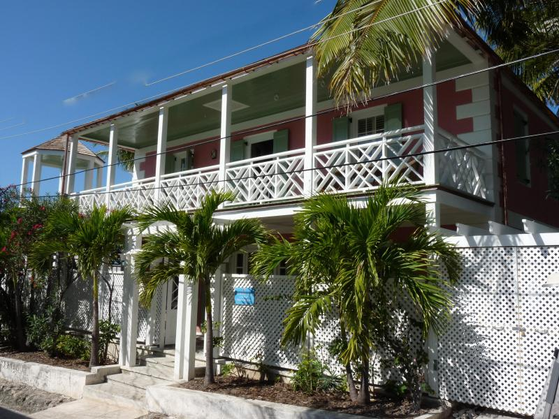 The magnificent colonial entrance - A and P's Strawberry House - Dunmore Town - rentals