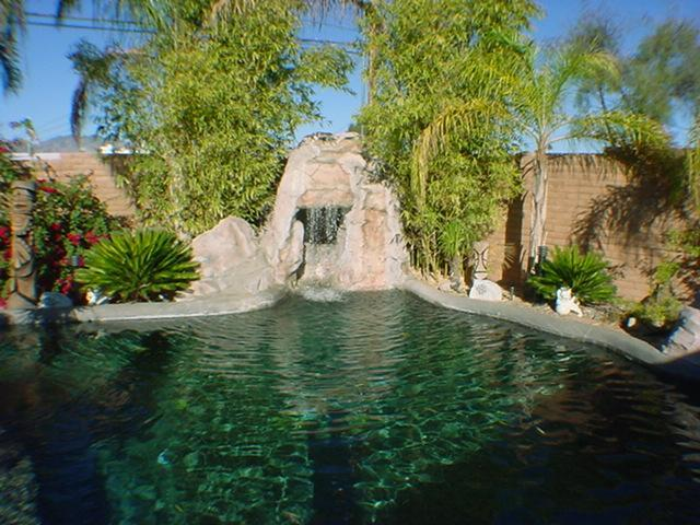 Private waterfall with Grotto - 3br Central Tucson/UofA Waterfall,Grotto,6ft BBQ - Tucson - rentals