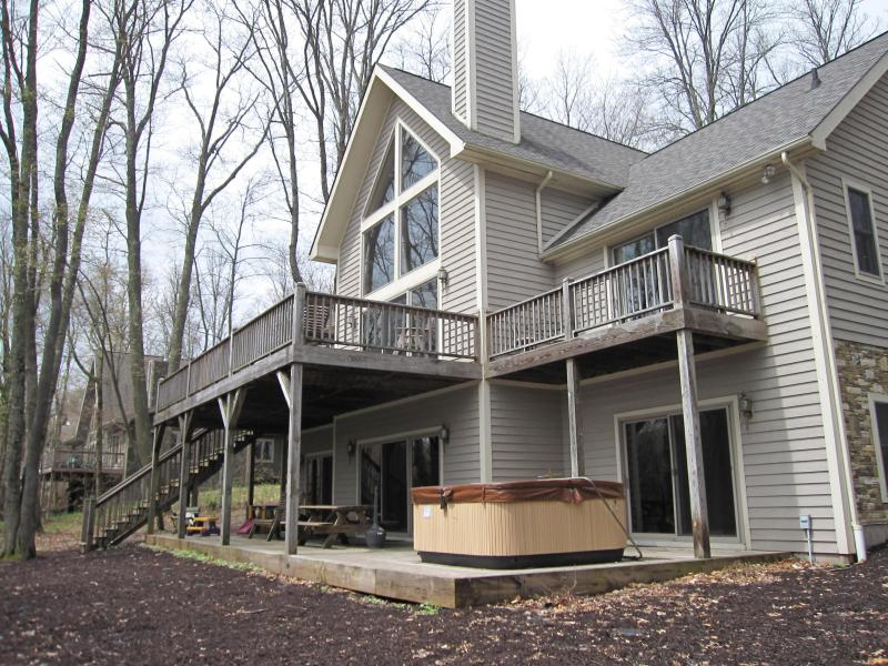 Lake Front - 4 Bedroom Secluded Luxury Home on Deep Creek Lake - Oakland - rentals
