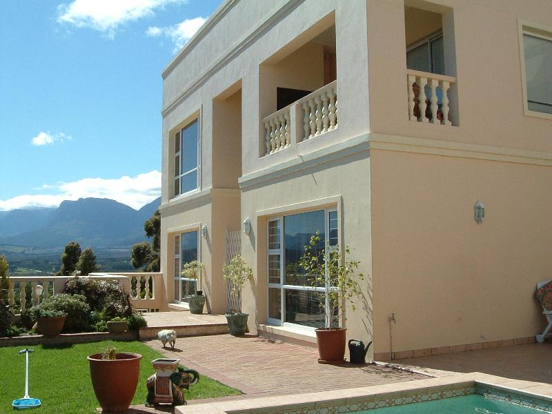 Highcliffe House Merlot Wing - Merlot Suite at the upper level - Highcliffe House Merlot Luxury Self-Catering Suite - Cape Town - rentals