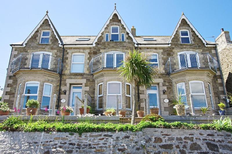 Penhale Villa Holiday Cottage - on the left - Luxury Holiday Beach Villa, Perranporth, Cornwall - Perranporth - rentals
