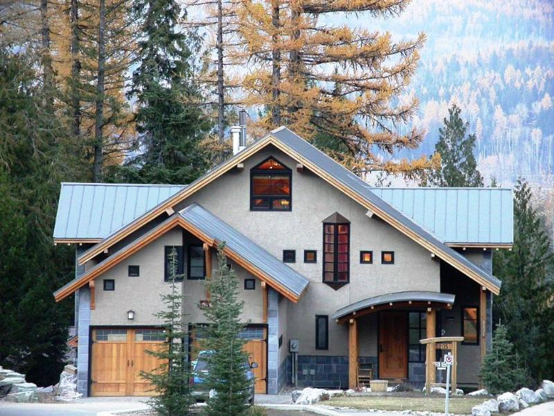 Viewed from the front street - Kimbers Timbers - Fernie - rentals