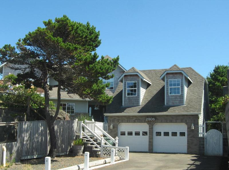 "Come ""home"" to Anchor Point - ANCHOR POINT is ""home""  at the beach! - Lincoln City - rentals"