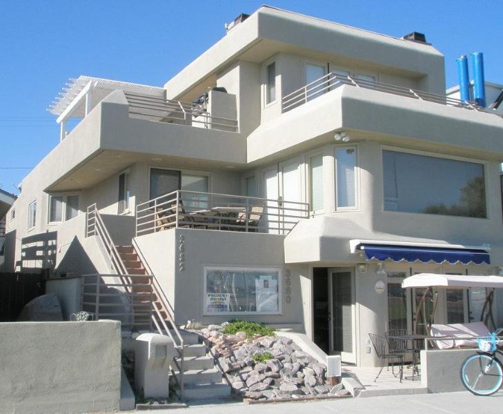 The entire 2nd & 3rd floors could be YOURS - Large Contemporary 4 bedroom San Diego Beach Home - San Diego - rentals