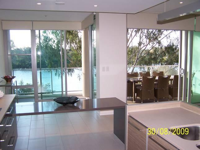 View of the Brisbane river from Entrance - Opulent Brisbane riverfront apartment - Brisbane - rentals