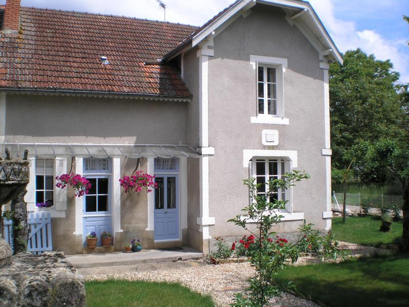 Villa Les Rosiers your holiday home from home - House sleeps 2-6 + pool near Lascaux painted caves - Montignac - rentals