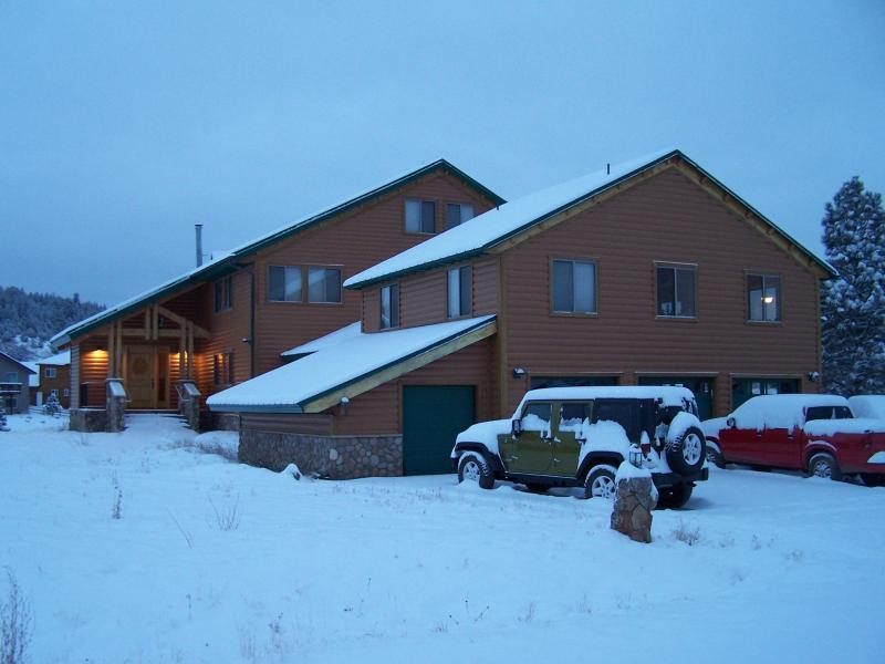 Casa Laguna in the Winter - Large Lake Front - Family Fun with Mountain Views - Pagosa Springs - rentals