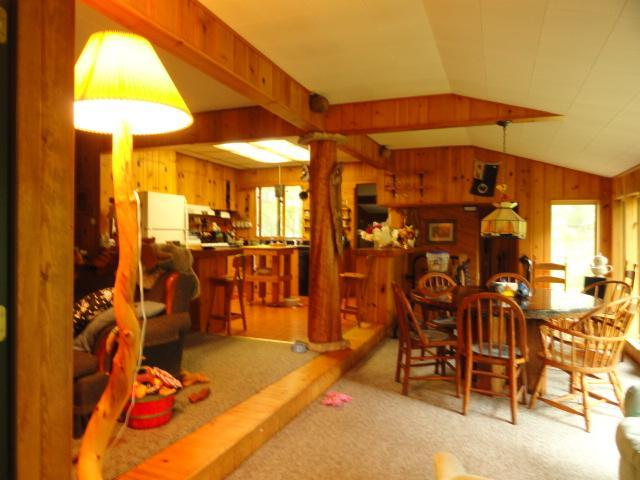 Kitchen/ living area - Gull Lake cottage w/ 2 mi private hkng/ski trails - Nisswa - rentals