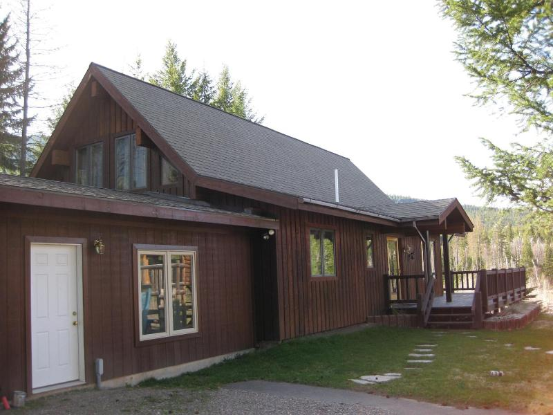 Montana cabin in Hungry Horse,Montana - West Glacier Park, 3 BR,  Flathead River, FABULOUS - Hungry Horse - rentals