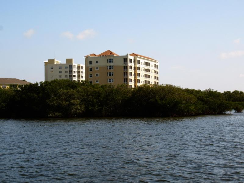 Condo Complex - Sunset Bay views, golf, fishing at 3-bedroom condo - Palmetto - rentals