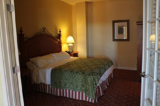 Spacious bedroom - Beautiful 2 BR condo steps from French Quarter - New Orleans - rentals
