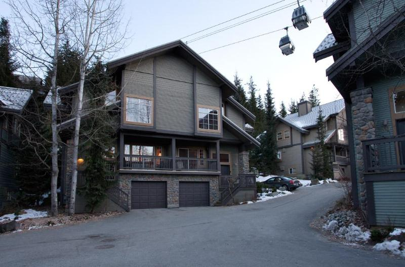 5 bedroom 4.5 bathroom Ski-in Ski-out Townhome - Image 1 - Whistler - rentals