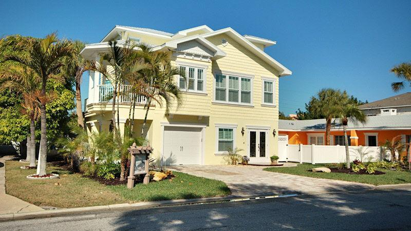 Featured in Anna Maria Tour of Homes 2011. Built by Island's Premier Builder - Come & Enjoy Our Island Paradise - Holmes Beach - rentals