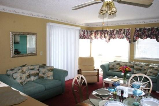 Vacation Condo 2 blocks to Longest Pier on the Eastcoast - Image 1 - Myrtle Beach - rentals