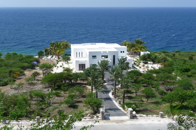 Villa - Luxury Villa with private beach! - World - rentals