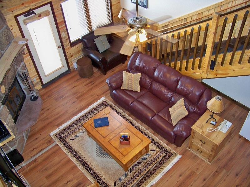 Living area w/ reading nook and queen sofabed - Master Loft condo - SolVista/WinterPark/Granby, CO - Granby - rentals