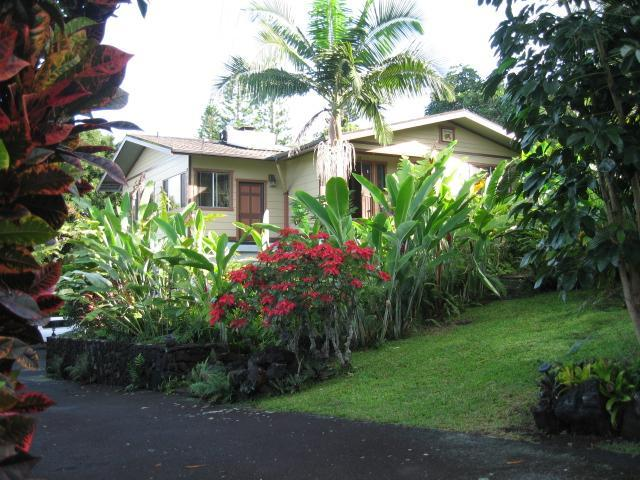 Front of property - Kona Coastview Vacation Rental 1 Bdrm/full Kitchen - Kailua-Kona - rentals