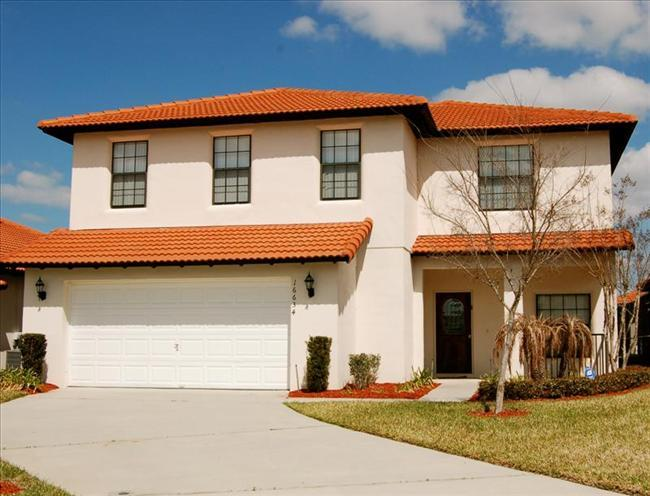Eagle Florida Disney Vacation Home for Rent-Private Swimming Pool, 4 beds, 2 Baths discounted rates - Image 1 - Clermont - rentals