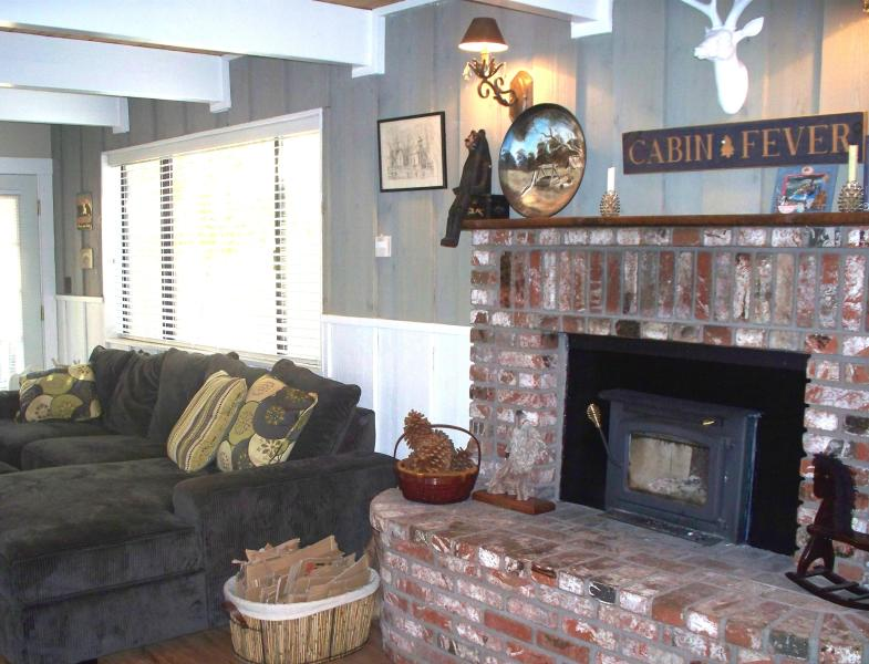 A Loafers Lodge 2+2 Sleeps 7, Remodeled 2 story! - Image 1 - Big Bear City - rentals
