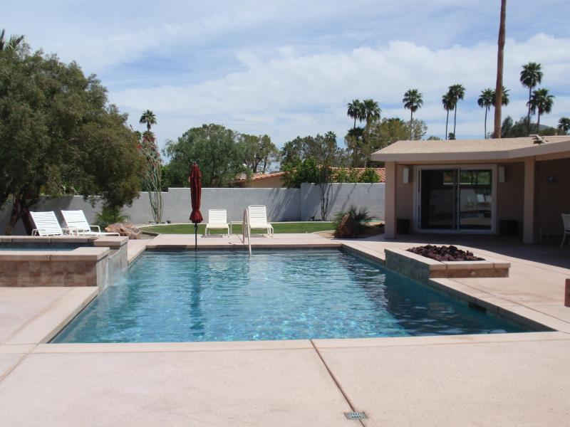 pool view from terrace walkway - Private South Palm Desert Oasis - Palm Desert - rentals