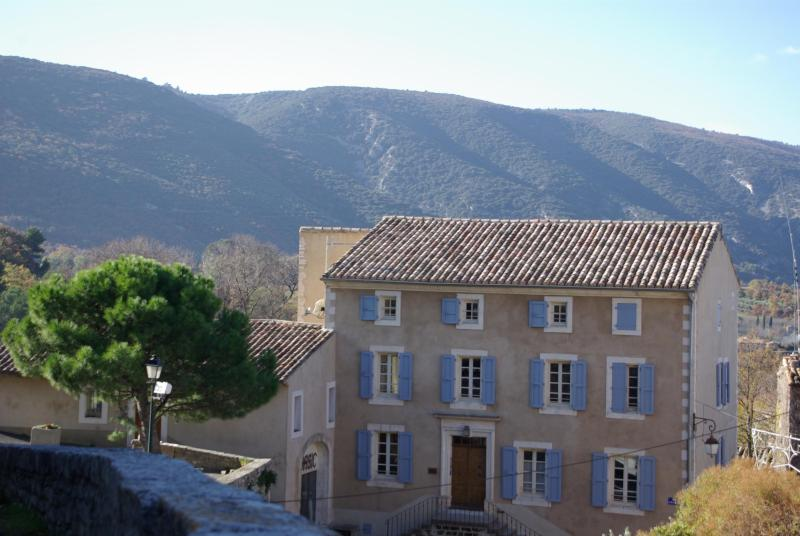 The Luberon mountain just behind the Bastide Maréchal Denier - The Luberon Mountain Home in Provence - Luberon - rentals