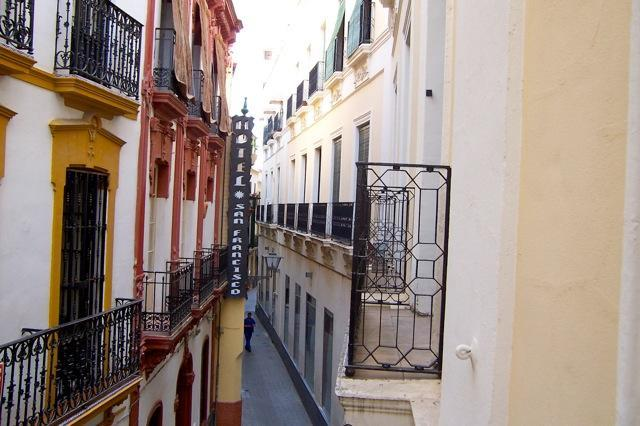 Street view from all windows (typical of old centre) - Seville (Spain) Luxury 2 br apt next to Cathedral - Seville - rentals