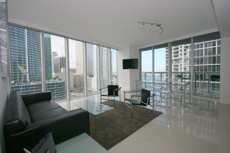 large open living area - Cool, clean, chic  2BR Viceroy waterfront condo - Miami - rentals