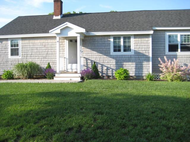 House - Updated 3 Bedroom Cottage 8 houses from the beach - Mashpee - rentals