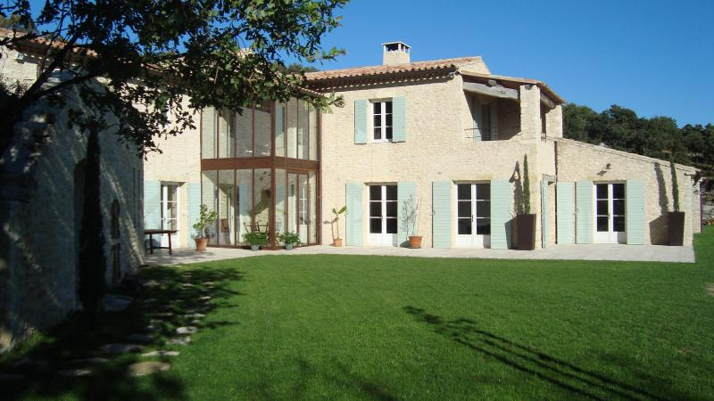 Façade - Beautiful stone house in a pure and neutral place - Luberon - rentals