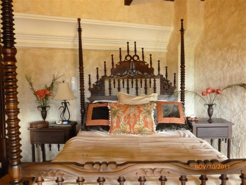 Master bedroom - Colonial Style, Volcano views! - Antigua Guatemala - rentals
