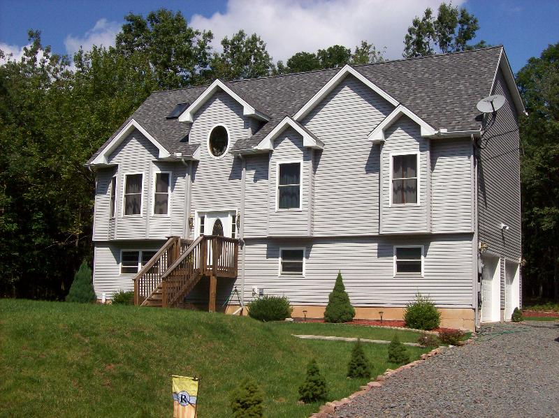 Summer  - Explore the Poconos In This Modern 3 BR Home - Albrightsville - rentals