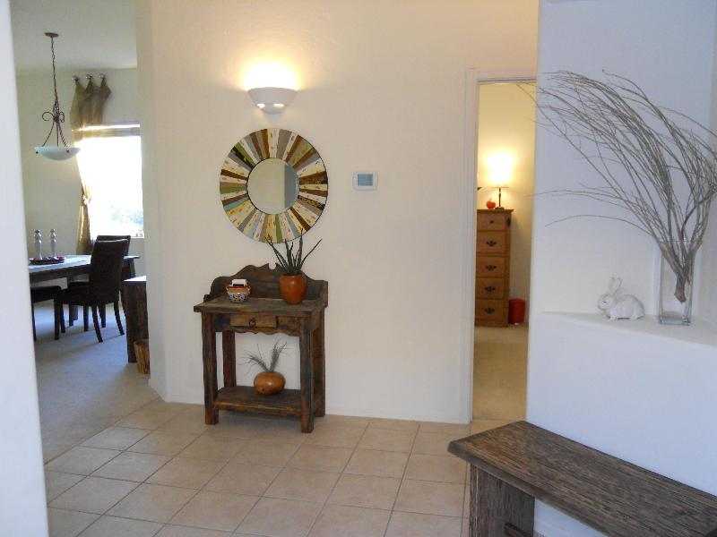 Inside Entry - Golf Course View in the Santa Catalina Foothills - Tucson - rentals