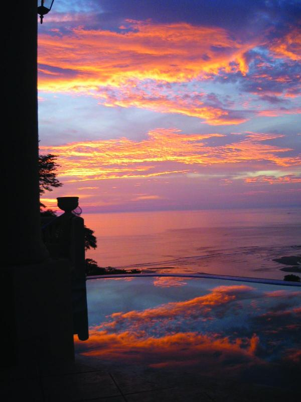 Tropical Villa & Ocean Views  4BR Playa Tamarindo - Image 1 - Tamarindo - rentals