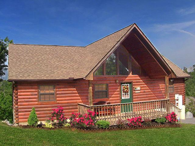 Rustic Romance... A rustic luxury cabin with a beautiful mountain sunset view - Mountain Sunset View! Pool/WIFI,nearest Dollywood! - Pigeon Forge - rentals