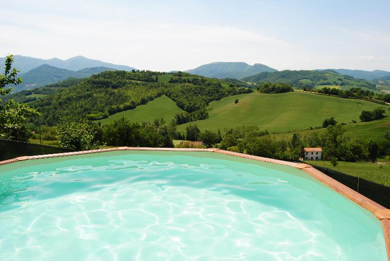 pool (4.60 - 1.20) - Private house with a large fenced garden and pool - Acqualagna - rentals