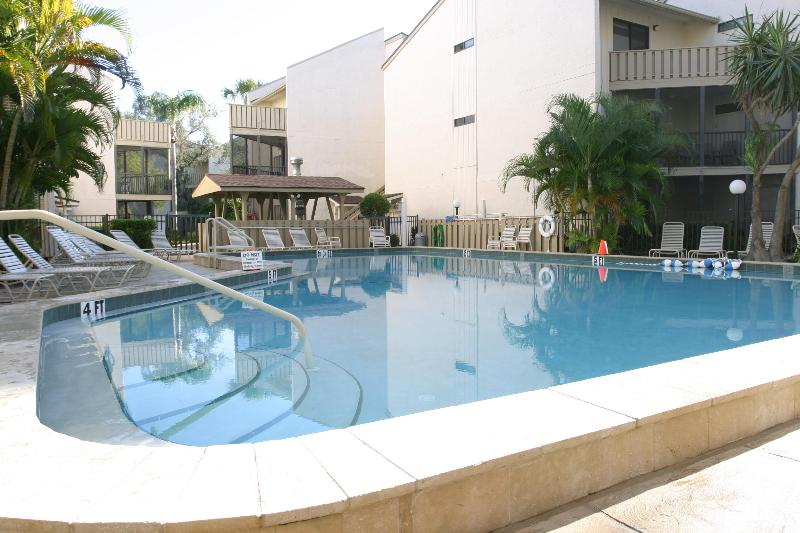 Heated outdoor pool - Not available right now - Siesta Key - rentals