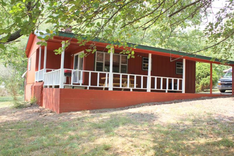Front Porch - Lake Nottely Creekside Cabin - Blairsville - rentals