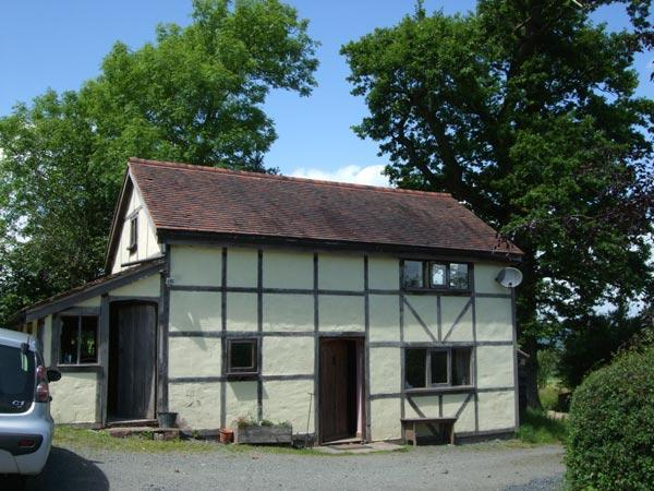 The Dortry in Summer - The Dortry, detached self-catering country cottage - Llandrindod Wells - rentals