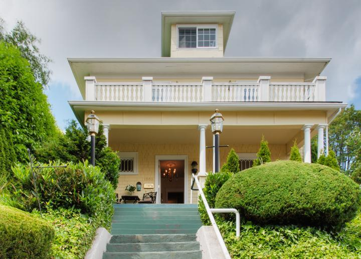 Walk to Downtown Seattle from this 14 Bedroom Home - Image 1 - Seattle - rentals