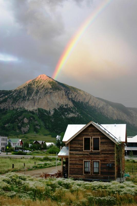 The Carriage House - Rainbow of Light! - 2 bdrm Carriage House - CB Town w/ FABULOUS Views! - Crested Butte - rentals