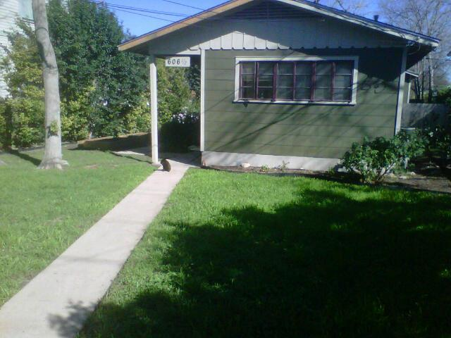 front of house, fully fenced. Quiet and peaceful - 2 bedroom house, prime Soco/Bouldin location. WOW - Austin - rentals