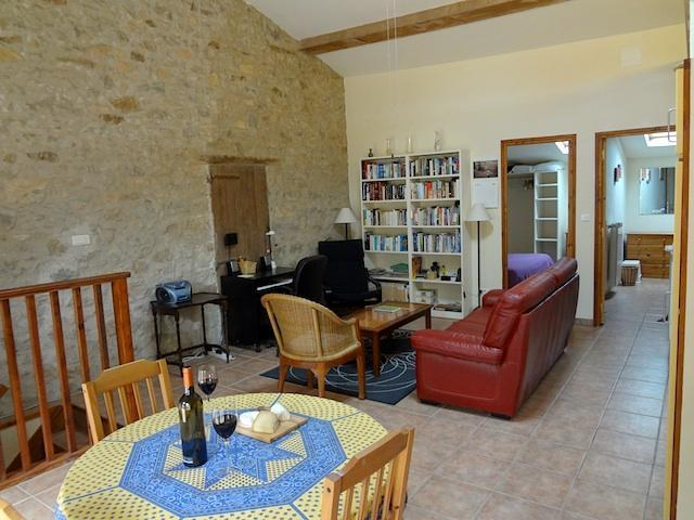 Dining & living areas - Old stone wine press in friendly Minervois village - Oupia - rentals