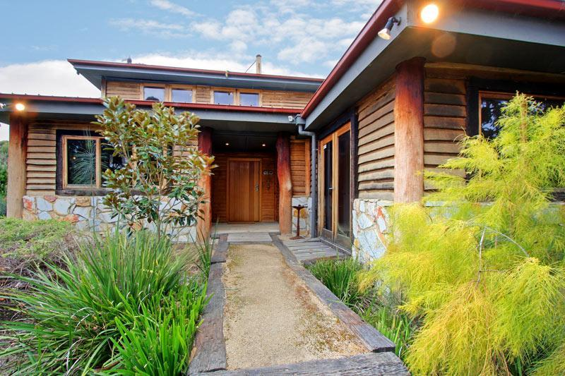 Front Entrance - McCrae Tree House Retreat, Mornington Peninsula - McCrae - rentals