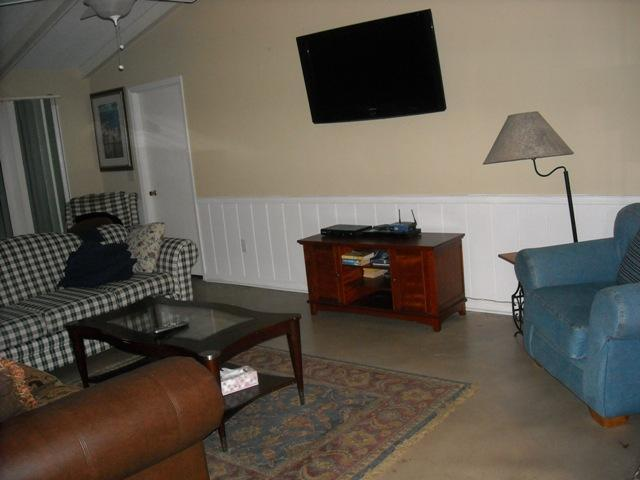 Family room - Nice home in a Super location! - Mount Pleasant - rentals