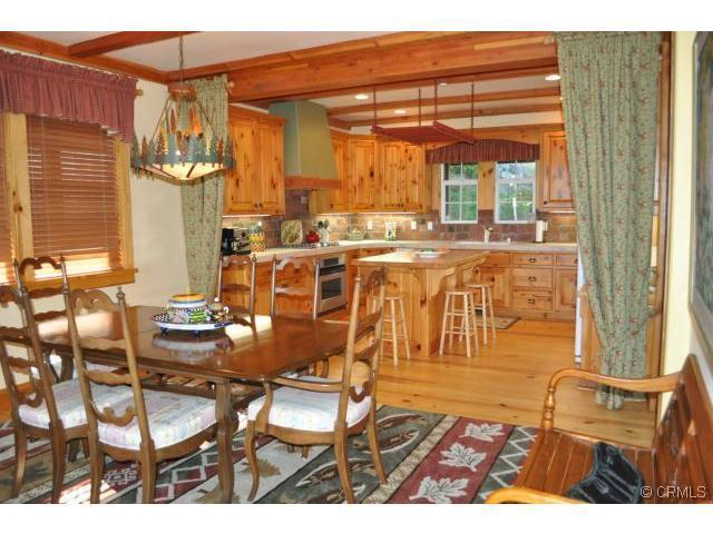 Dining & Kitchen - Luxurious Log Retreat with Spectacular Lake view - Lake Arrowhead - rentals