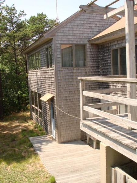 Contemporary Style home on sunny & woodsy hillside - Contemporary in the Hilly Private Woods of Truro - Truro - rentals