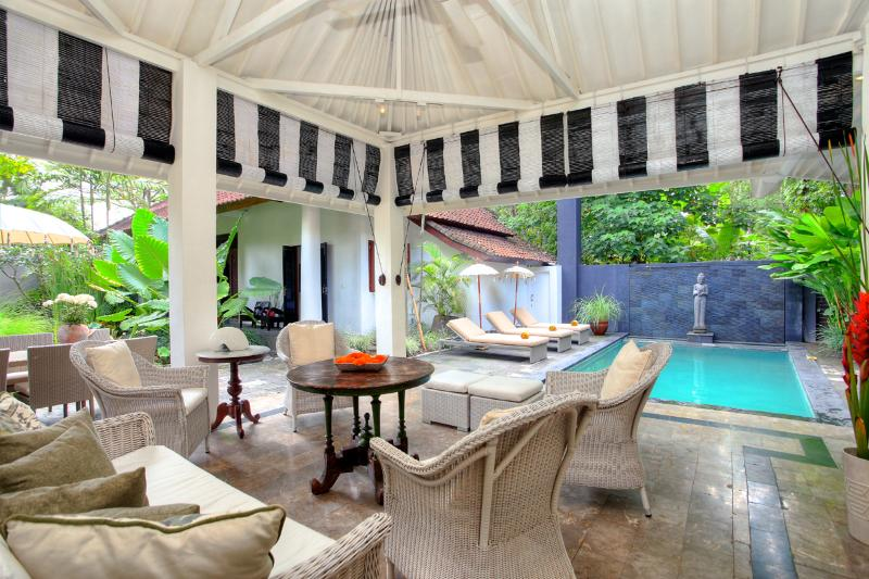 CHARMING 4 BED VILLA WITH RELAXED BALINESE FEEL - Image 1 - Seminyak - rentals