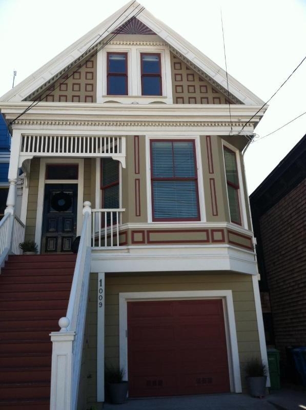 Front of House - Charming 2BR Garden Apartment in Noe Valley - San Francisco - rentals